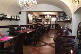 Restaurace uvnitř 2